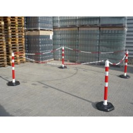 Set mit 4 Kettenständern und 4 Kunststoffketten, L. 3000 mm, max. Absperrlänge 12 m, mit schweren Fuß Höhe 1 m, Gewicht 4,2 kg